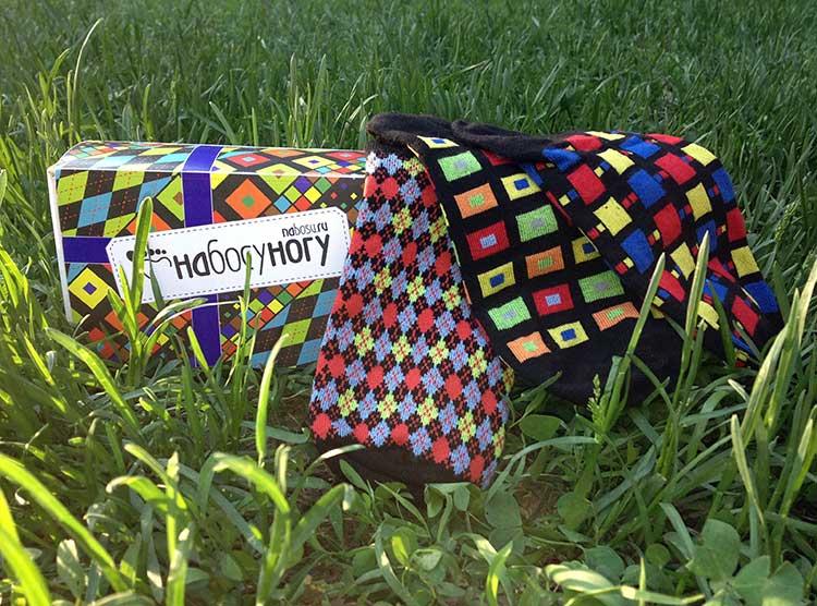 Проект НаБосуНогу - мужские носки с рисунками